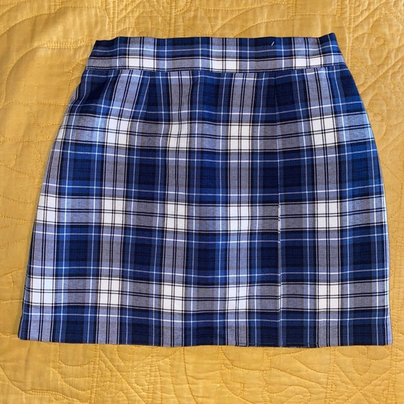 Parker Dresses & Skirts - School girl- shades of blue plaid pleated skirt.